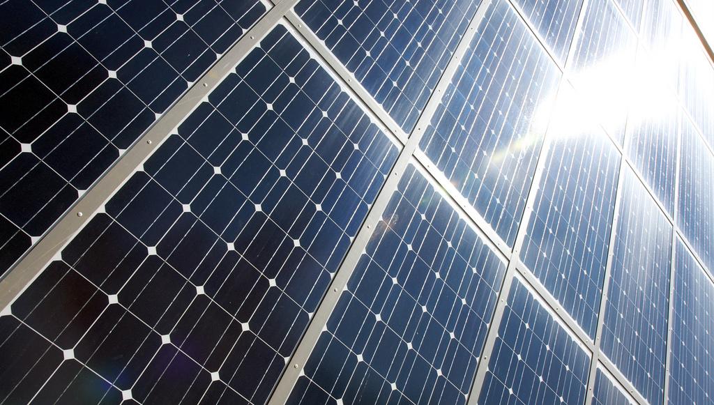 Aurinkopaneelia