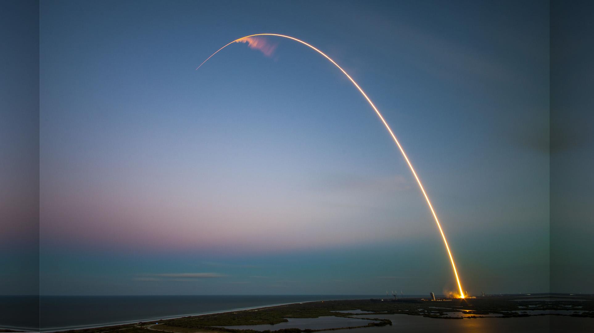 Falcon 9 lähtee matkaan